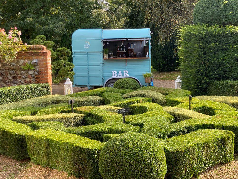 Horsebox-Bar-Hire-for-Weddings-in-Norfolk-Suffolk---Trios-Catering